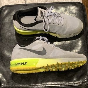 Nike Air Max Sequent. Men's 10.5